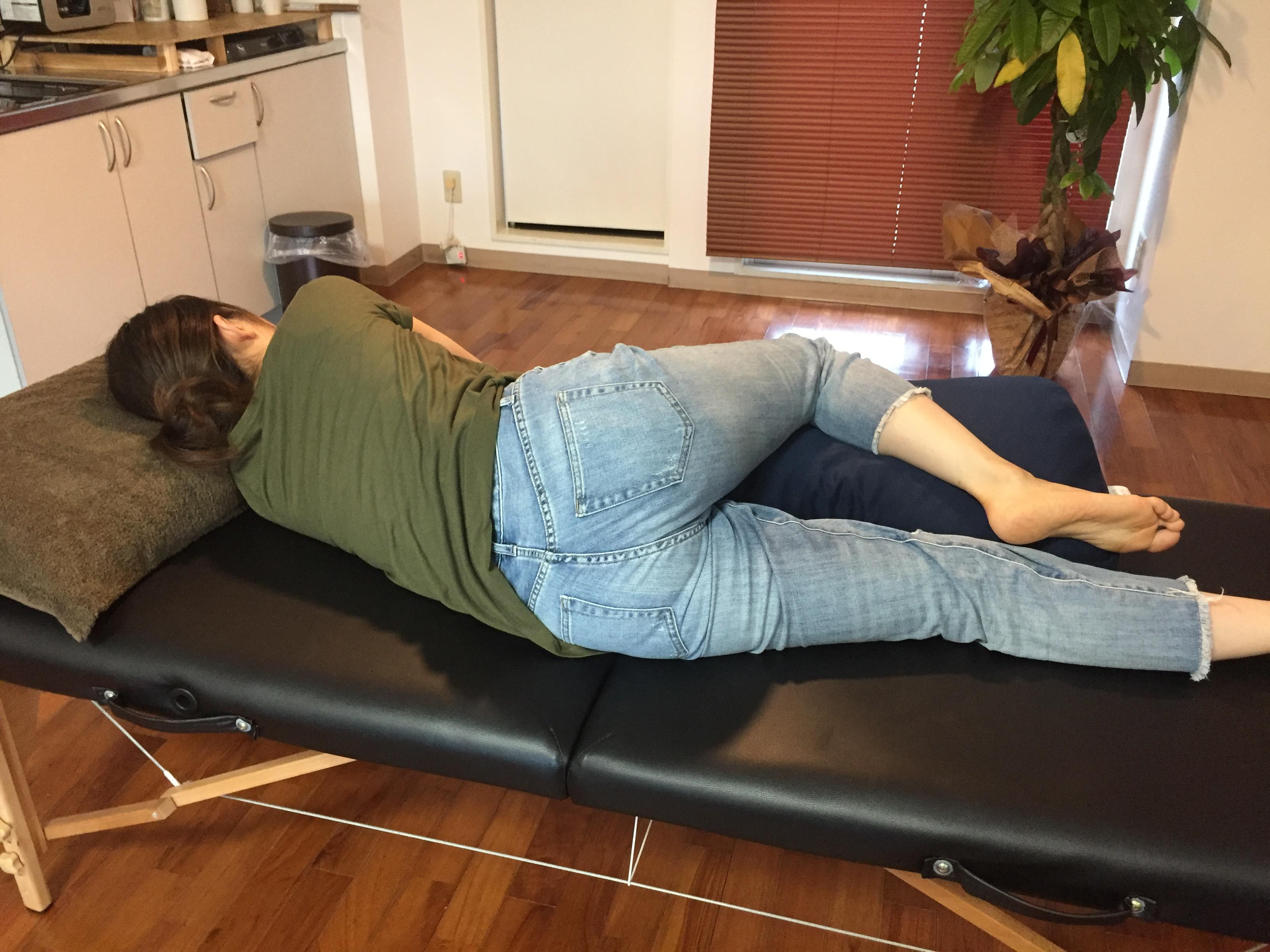 お尻から足裏までシビレのような坐骨神経痛様の痛みを手首から解決!